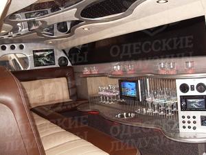 Прокат, аренда лимузина Rolls Royce Phantom V Luxury (Роллс-Ройс Фантом) в Одессе